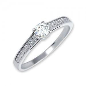 Prsten  bílé zlato 585/1000 zásnubní  kamenový